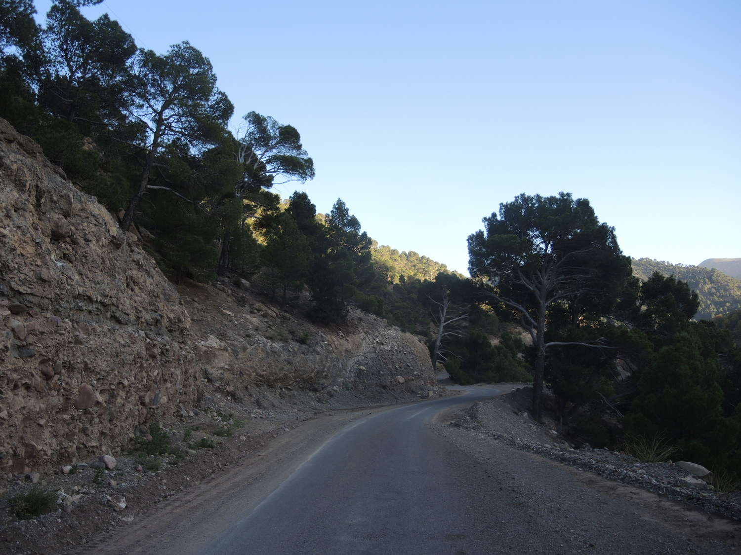R307 road in Atlas Mountains