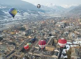 Hot_air_balloon_on_Valentine_s_Day