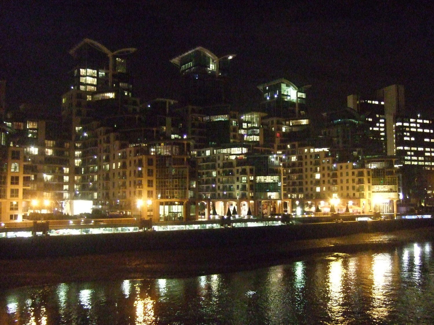 05_River_Thames_at_night