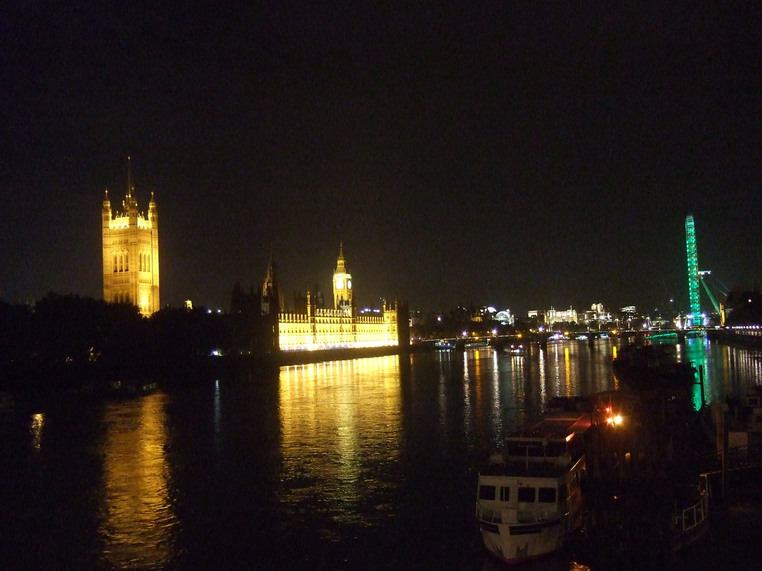 06_London_Wesminster_Palace_at_night