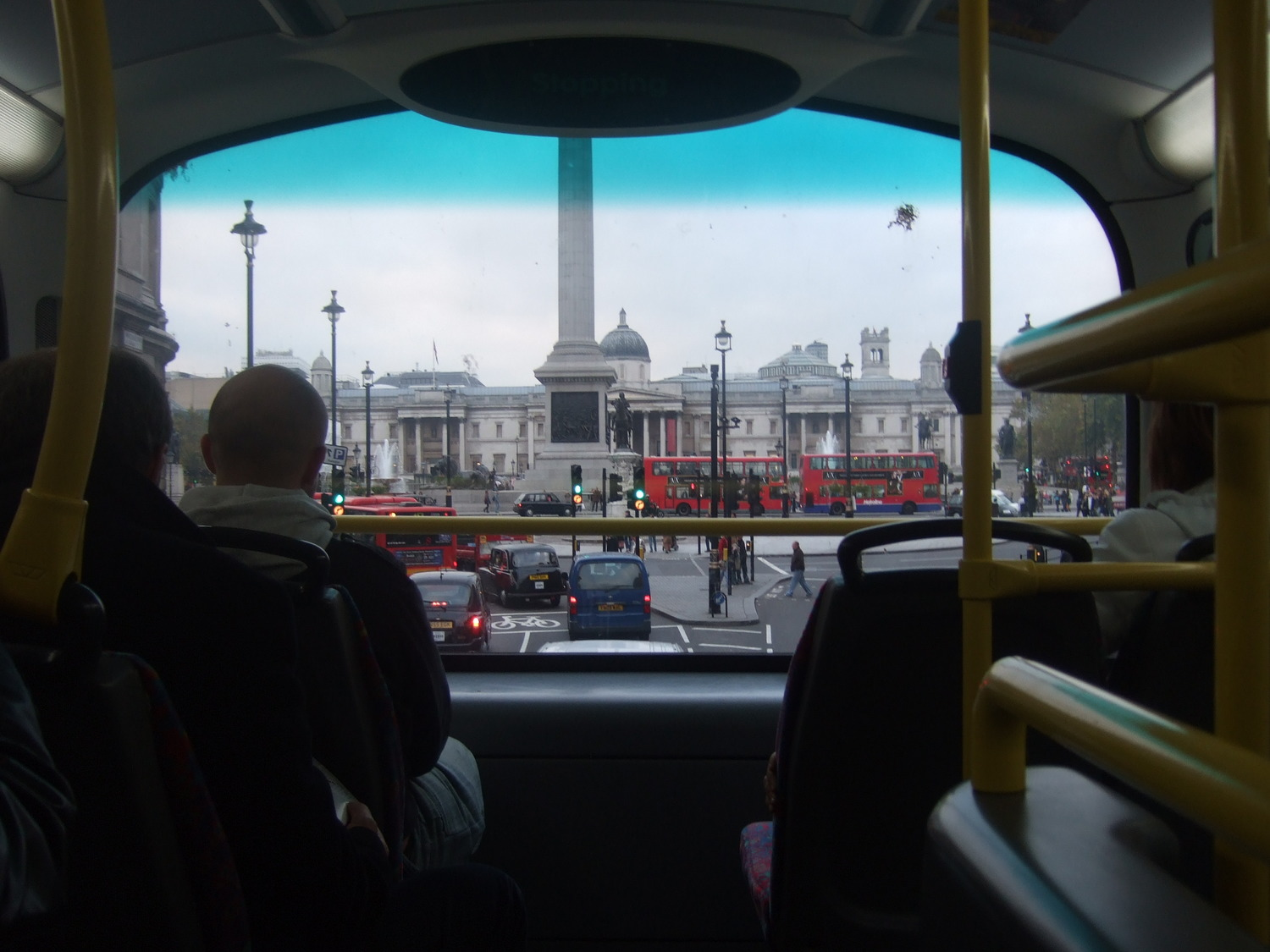 14_The_main_London_sights_may_be_seen_through_the_windows_of_tho-decker_bus
