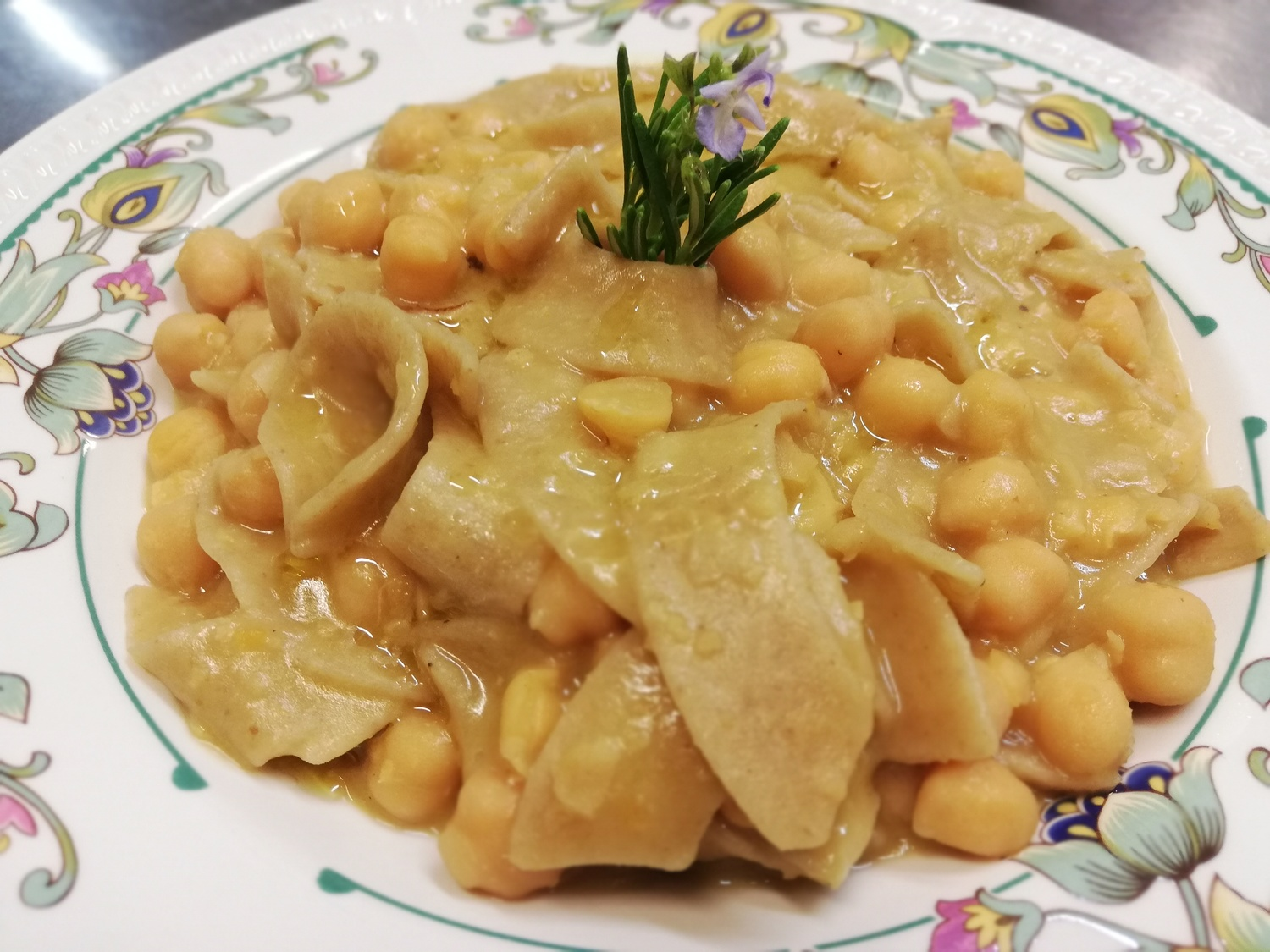 Lagane-and_chickpeas