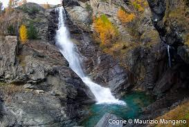 The_Lillaz_waterfalls_and_the_municipality_of_Cogne