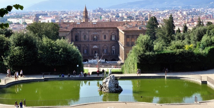 Palace_Pitti_and_Garden_of_boboli