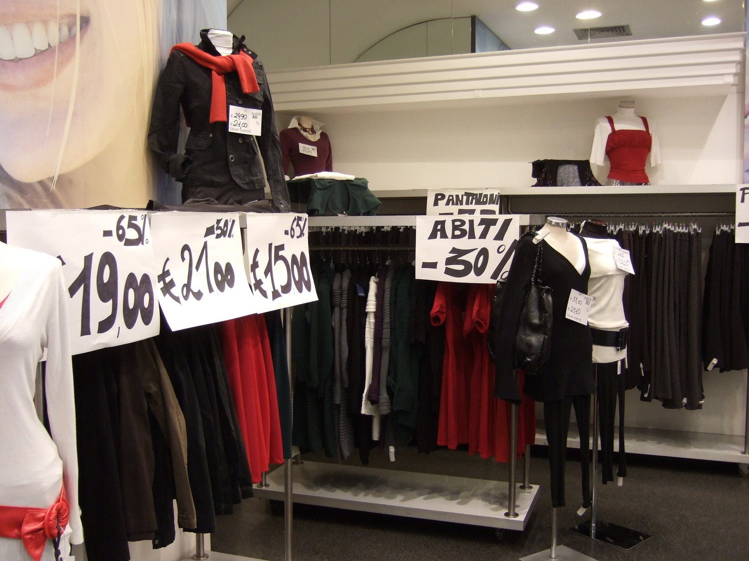 93_Usual_sales_in_the_shops__Rome