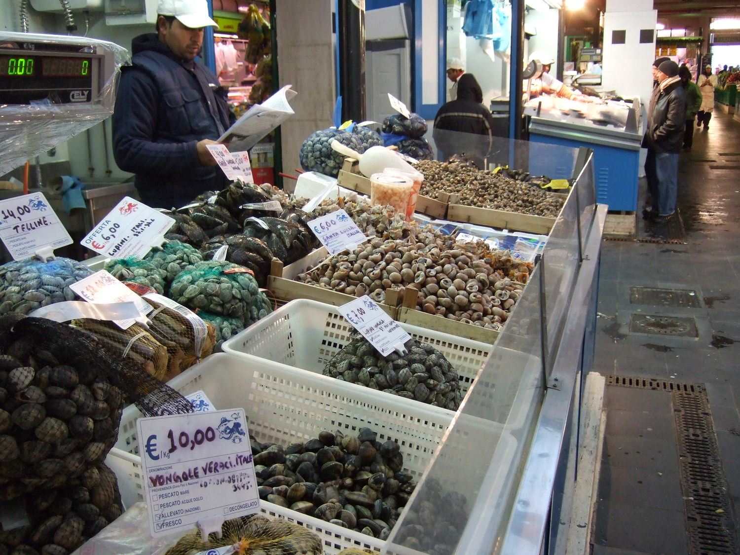 99993_Sea_food_in_Rome_Market