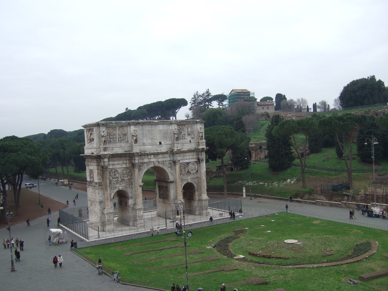 Rome's monuments. The Arch of Constantine and the view to the Palatine HillRome's monuments. The Arch of Constantine and the view to the Palatine Hill