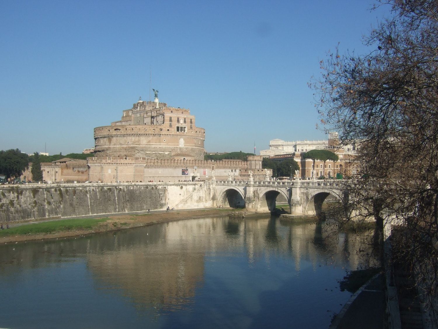 Tourist attractions. Castel Sant'Angelo and Ponte Vittorio Emanuele II