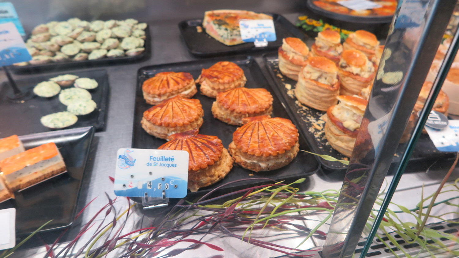 Food to eat in Normandy. Pies stuffed with sea food