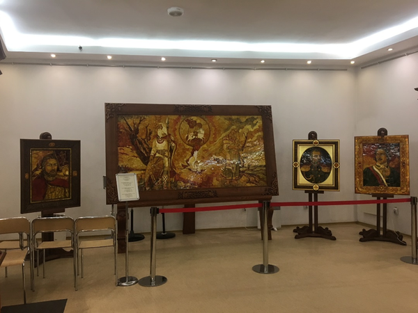 Exhibition_at_the_amber_museum